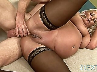 anal amateur Aphrodisiac mature minx cecilys cuchy is drilled