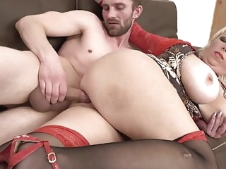 blowjob amateur Hungry mature MILFs spoiling sons